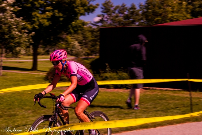 Julie Gloede Phelps. along with Kris Tiles and others compete in a women's heat at Cross of the North.